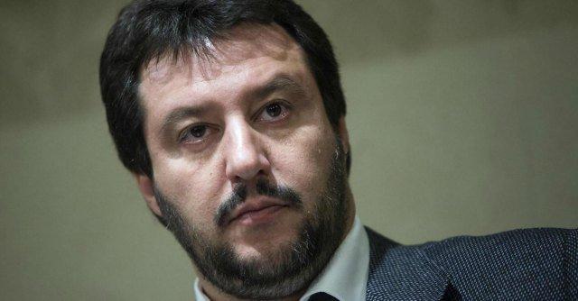 Matteo Salvini fa a pugni col congiuntivo