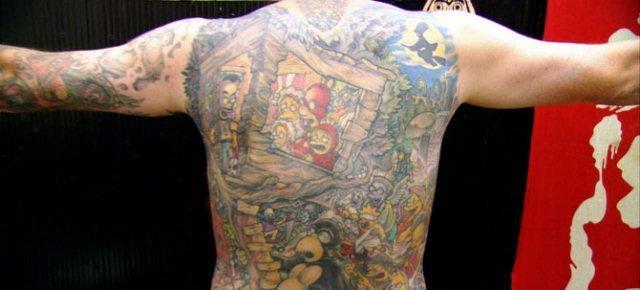 Il più grande tatuaggio a tema I Simpson