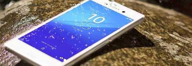 Lo smartphone che va anche sotto la doccia