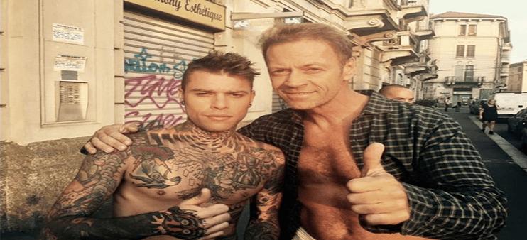 11377097 10153153006837530 5008881772246708868 n2 - Fedez, J Ax e Rocco Siffredi nudi per le strade di Milano: ecco perche