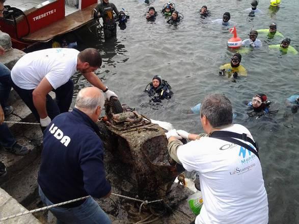 Palermo: Recuperati 10 quintali di spazzatura nel mare